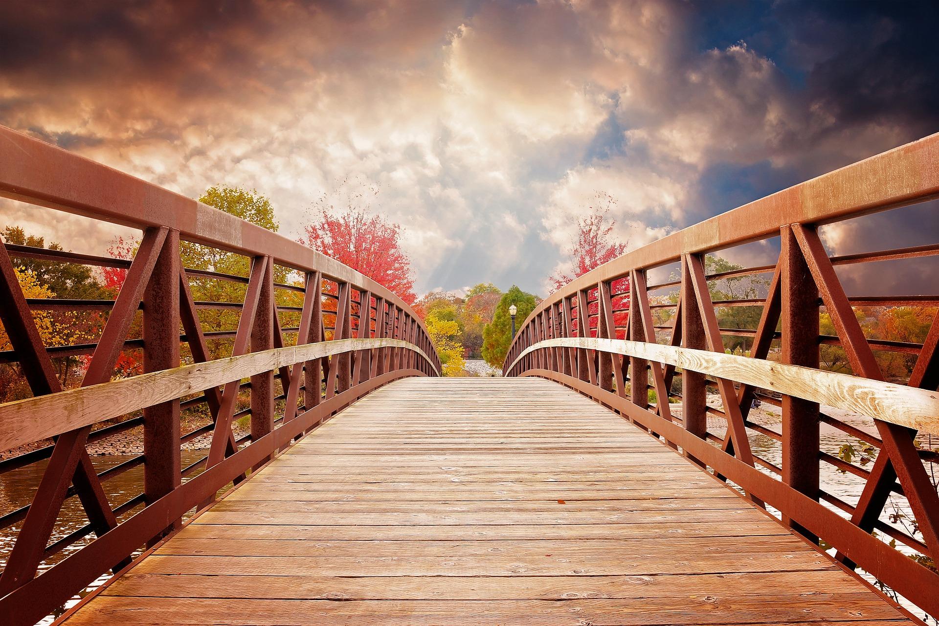 Brücke, Fluss, Herbst, Sonnenuntergang, Wolken, Holzbrücke - Wallpaper HD - Prof.-falken.com