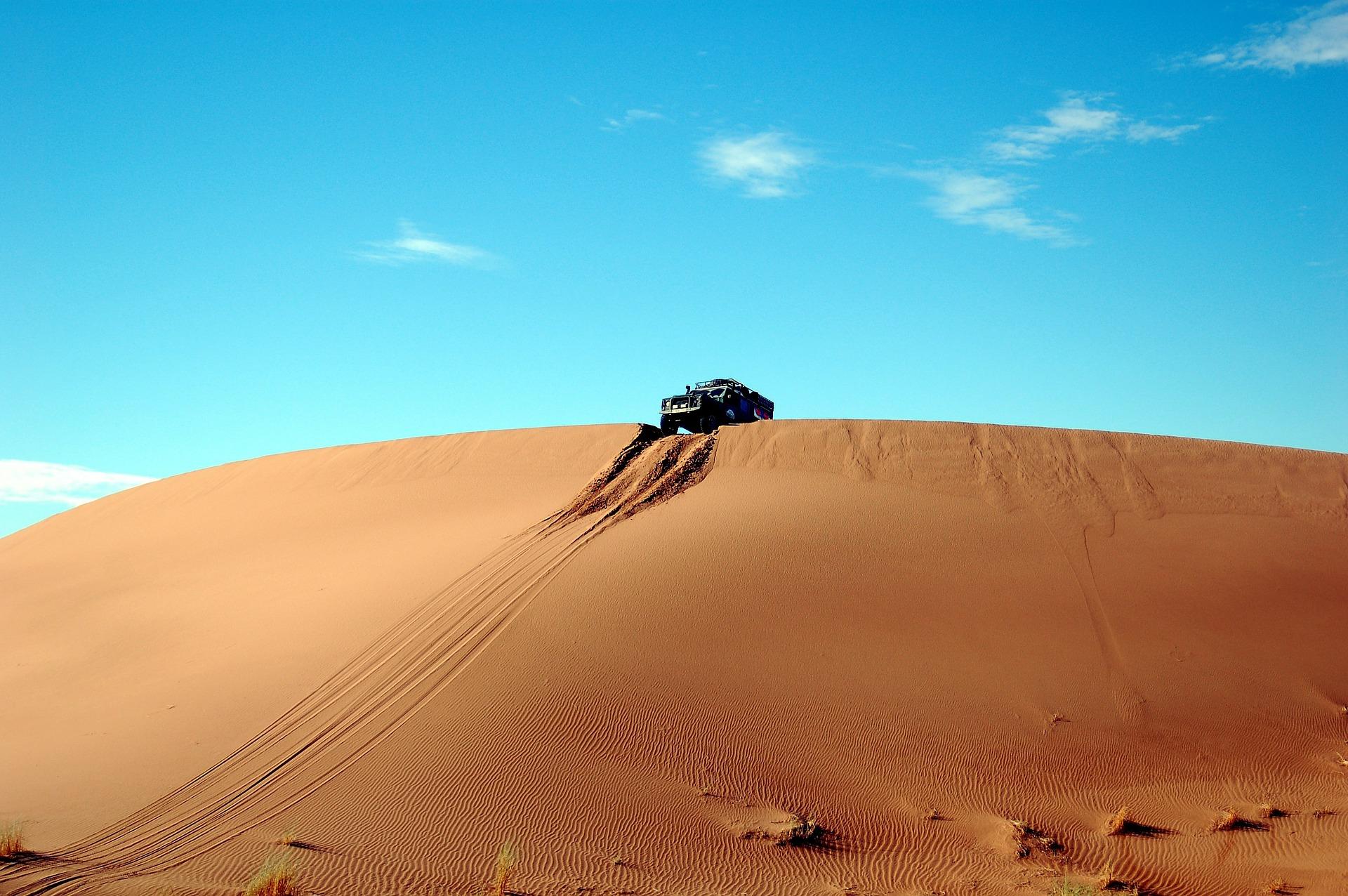 रेगिस्तान, टिब्बा, कारें, रेत, आकाश, जोखिम, ब्लू - HD वॉलपेपर - प्रोफेसर-falken.com