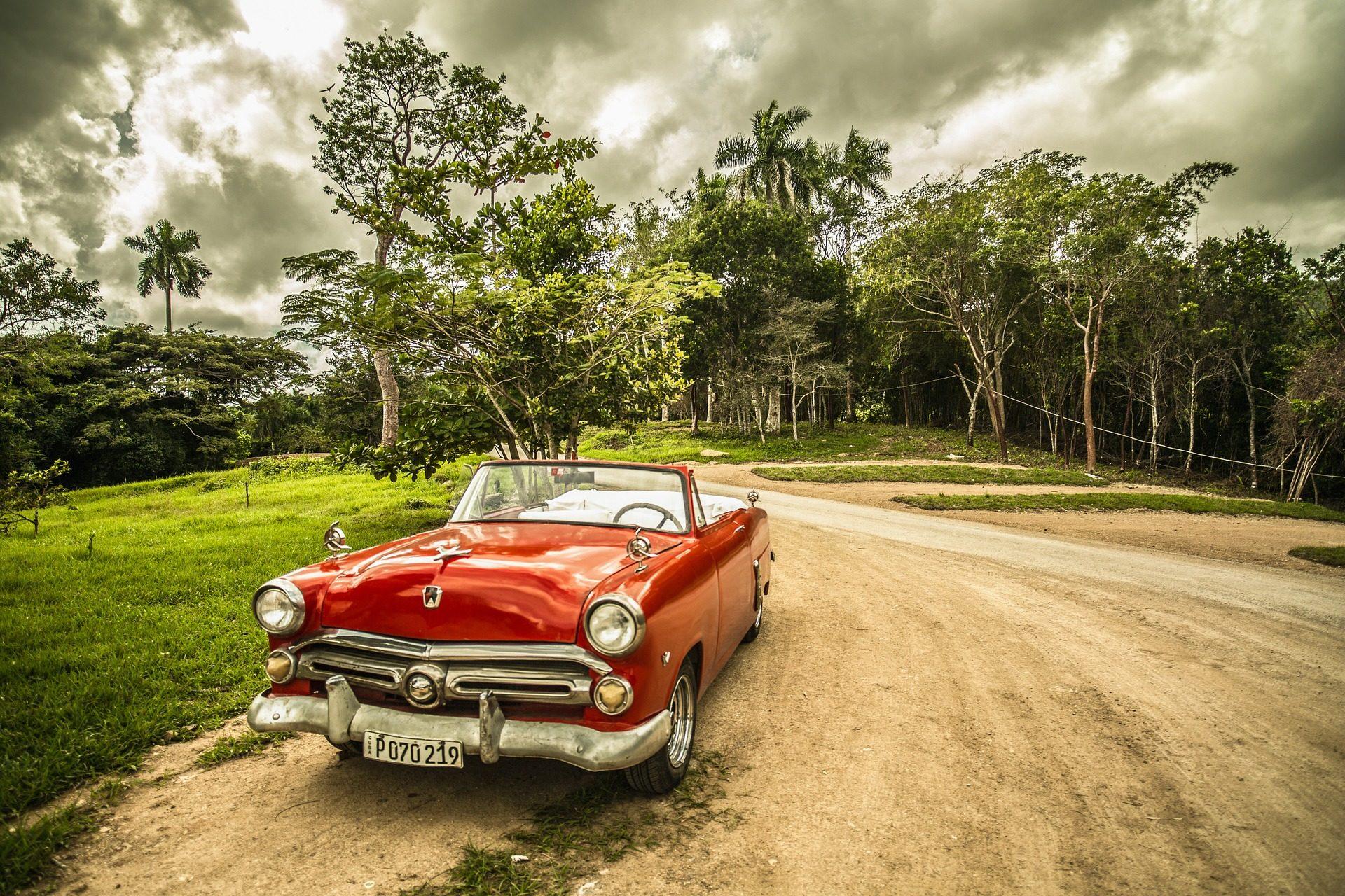 voiture, Route, Forest, nuages, arbres - Fonds d'écran HD - Professor-falken.com